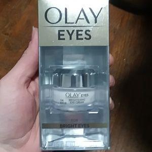 Olay bright eyes cream